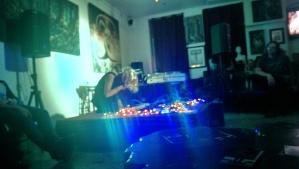 Xin0 performing