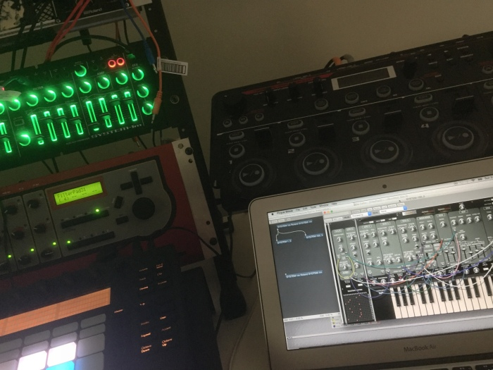 Plogue Bidule hosting Roland System-1 plug-outs